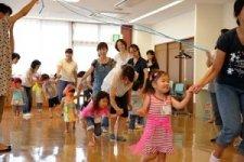 親子のスキンシップを大切にしつつ、 育児のストレスも解消/リズム遊び親子サークル プリン リズム遊びインストラクター 千野千枝子さん