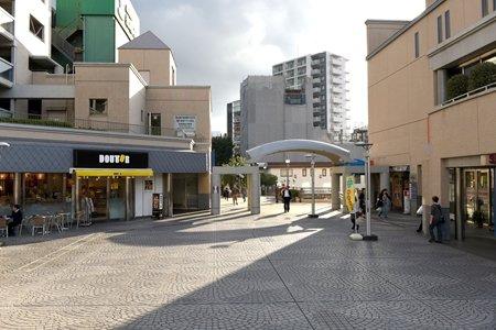成増駅前広場