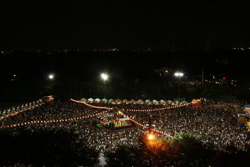 多くの来場者でにぎわう祭り会場(※写真提供三芳町)