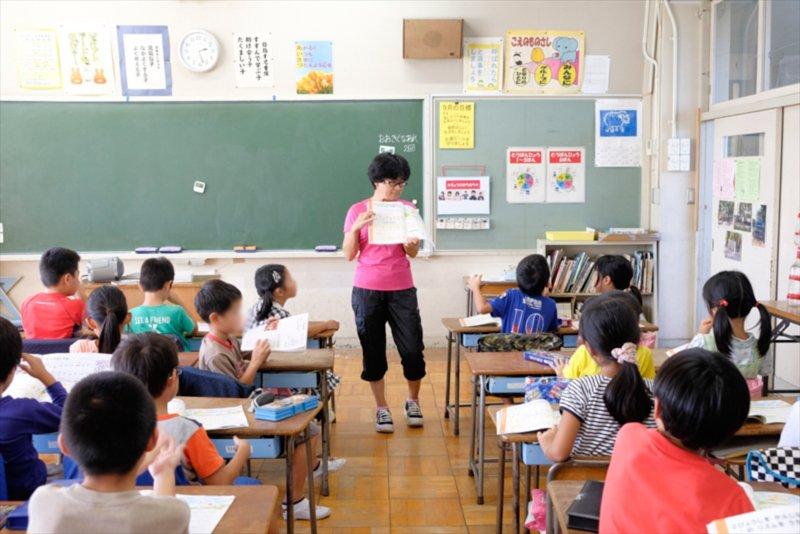 すすんで学び、助け合い、たくましい子を育む「白糸台小学校」