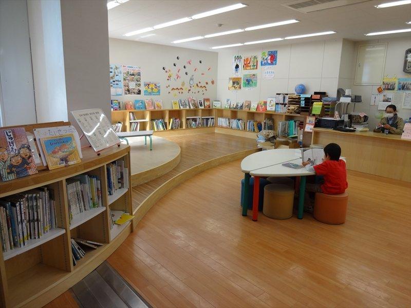 川上北小学校 図書室