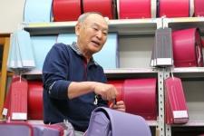 2世代にわたって選ばれるランドセル専門店/ガルソンのカバン 店主 嘉藤正寿さん