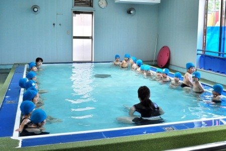 九重幼稚園 プール