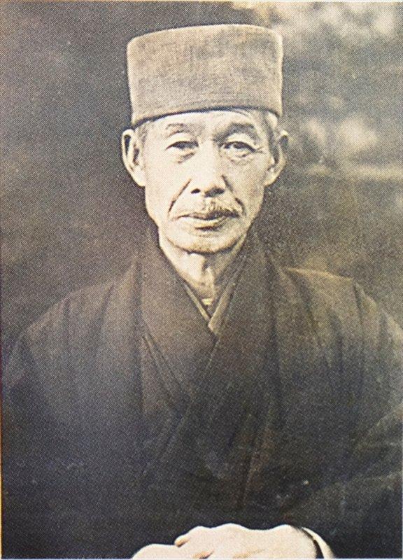 初代校長 滝沢又市先生