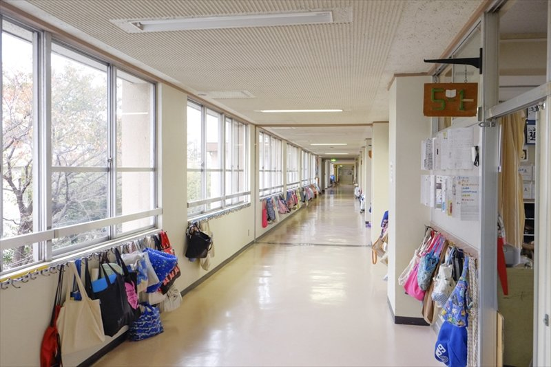 整理整頓された廊下