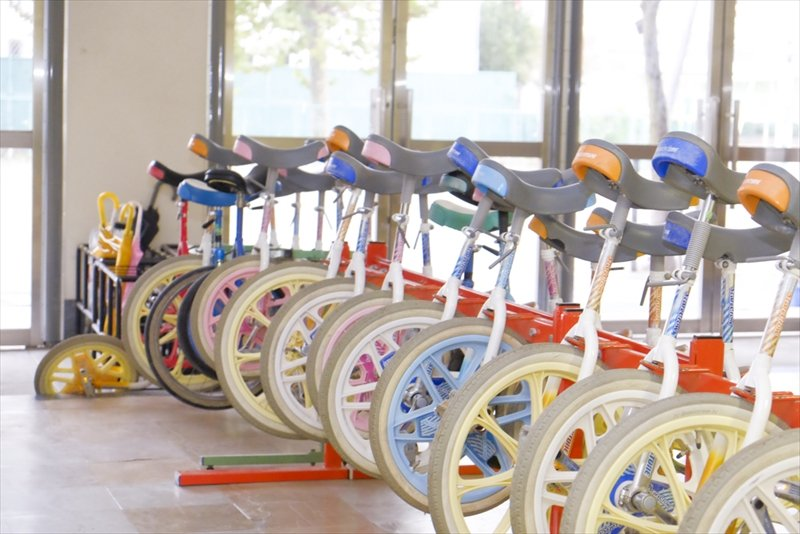 休み時間に使用できる一輪車