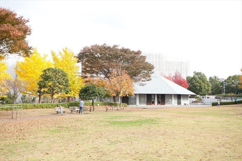 広い公園が多い唐木田周辺