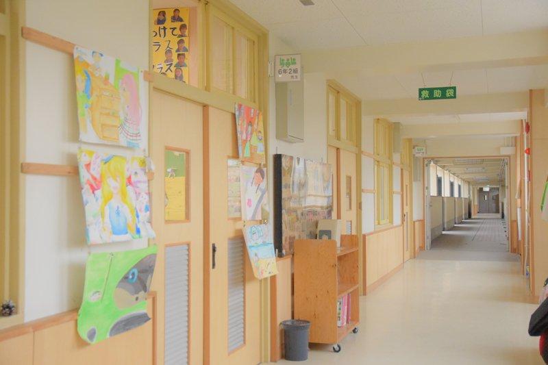 2013(平成25)年度に改造工事を行った校舎は、木をふんだんに使った温かみのある造り