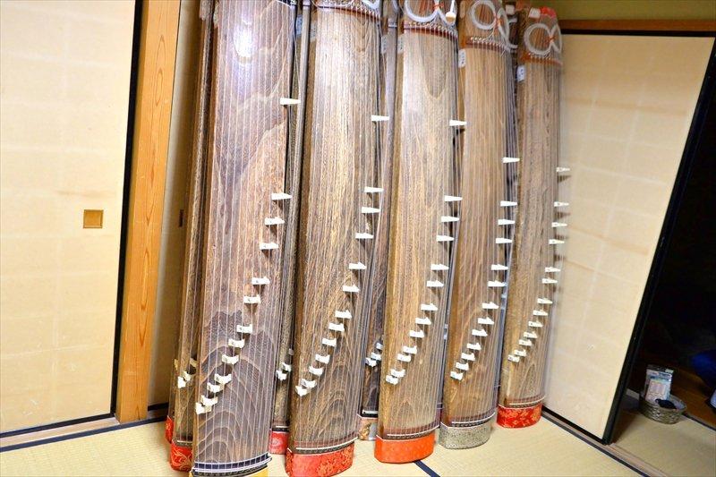 日本伝統文化部が使用している和室と箏