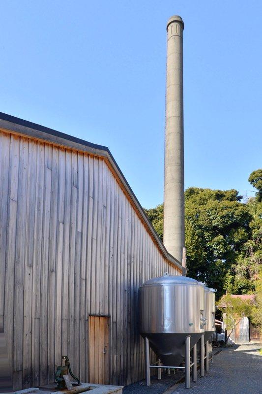 茅ヶ崎市香川、自然に囲まれた住宅地に建つ「熊澤酒造」