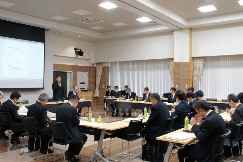 草薙駅周辺まちづくり検討会議の様子①