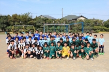「楽しくなければサッカーではない!」 をモットーにした地域のフットボールクラブ/磯辺FC 奥小路晴夫コーチ、入江夕梨花コーチ