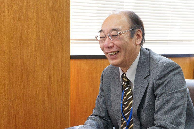 校長 愛敬俊幸先生