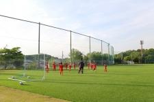 スポーツで地域に笑顔を増やす。地域に愛され、信頼されるサッカースクール/名古屋グランパスサッカースクール マーケティング部 西垣美貴さん コーチ 今井位彦さん