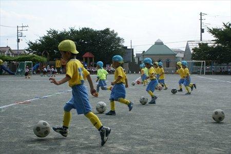 サッカーの練習風景