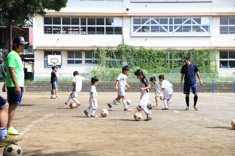 サッカーだけでなく行事なども通してチームワークを学べます