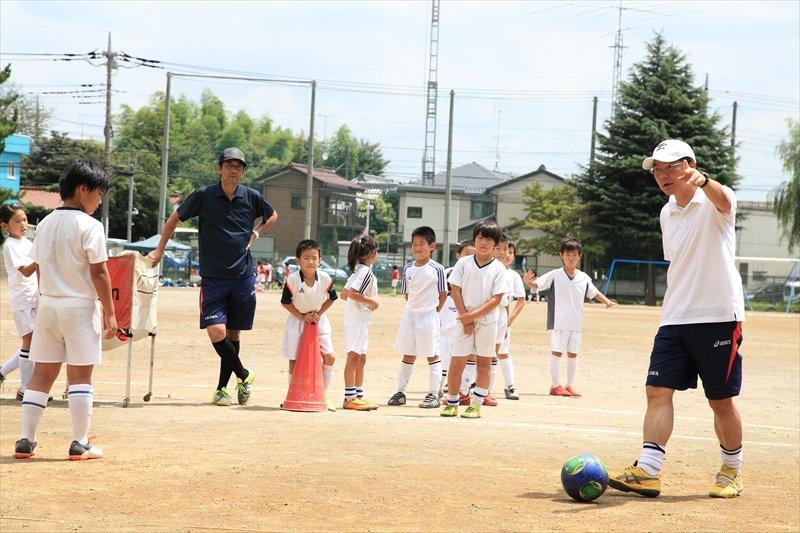 プロで活躍していたコーチから指導を受けられます