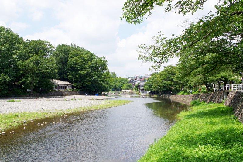 バーベキュースポットとして人気の「飯能河原」