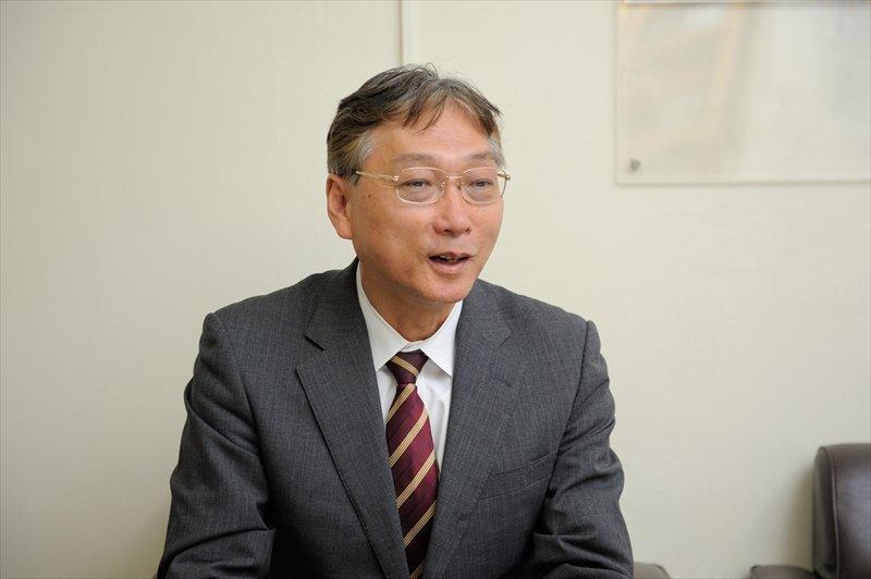 横浜市立市ケ尾小学校  校長 落合孝先生