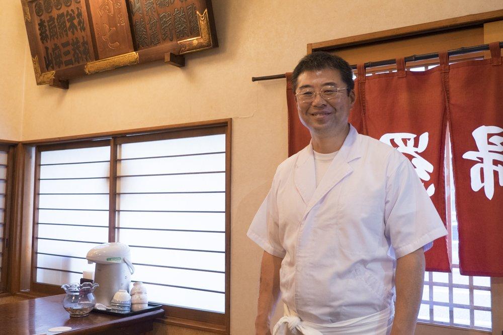 海外や遠方からも人が足を運ぶ、親切&丁寧な天ぷらの老舗「髙七」