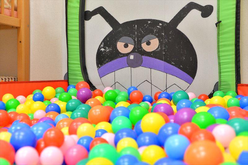 人気の遊具「ボールプール」