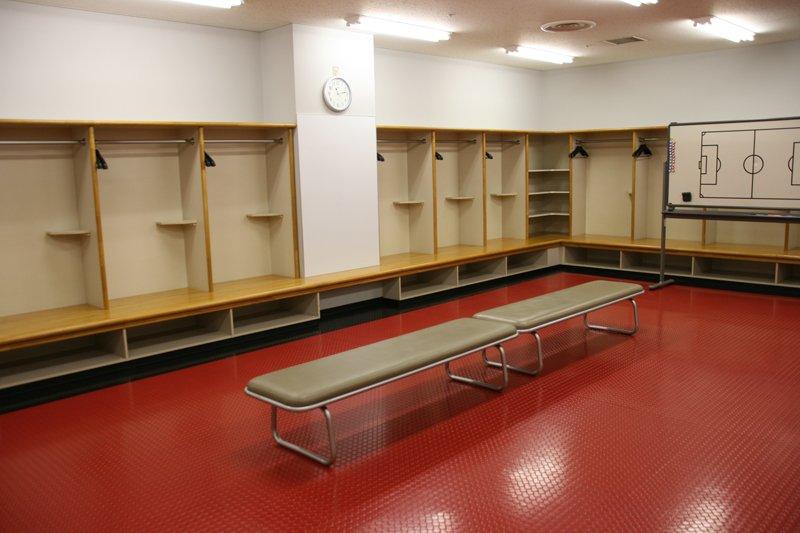 スタジアムツアーではロッカールームも見学できる
