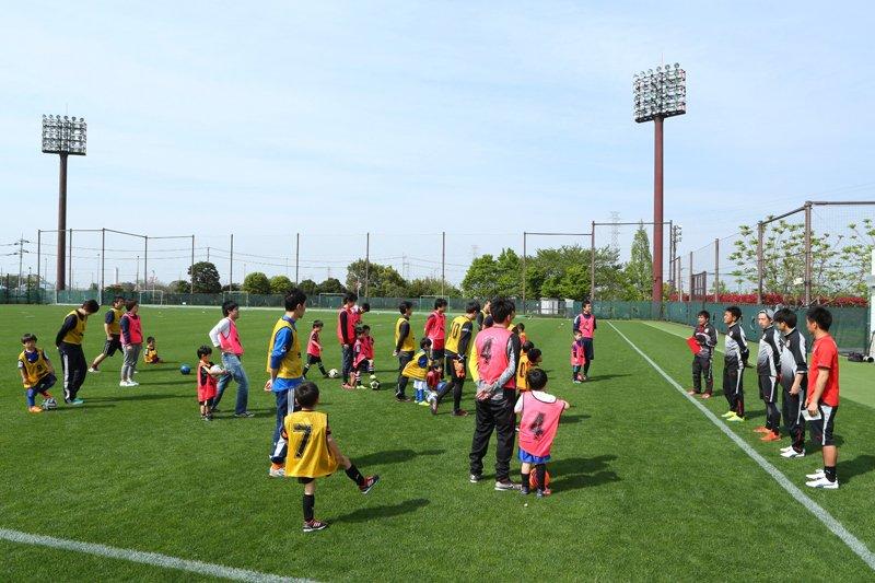 親子でサッカーを楽しむこともできる