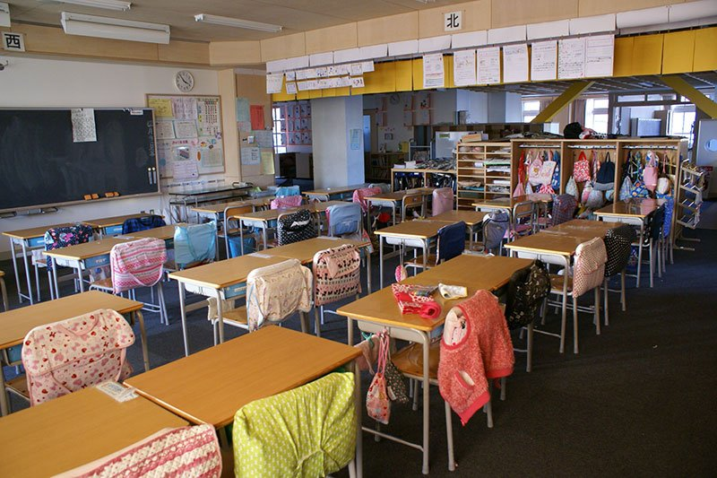 「川崎市立御幸小学校」教室内