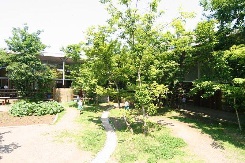 近代的に見える園舎の原点は「日本の昔の大農家」