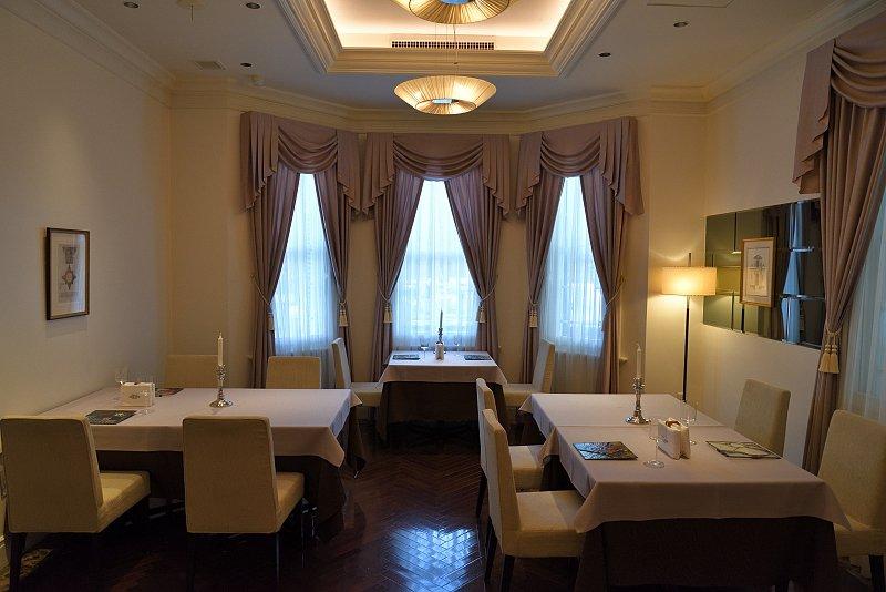 「la Maison de GRACIANI(ラ・メゾン・ドゥ・グラシアニ) 神戸北野」1Fダイニングルーム