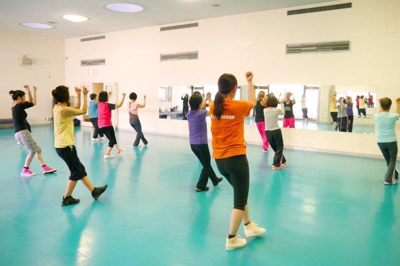 ダンスやフィットネスの教室も開催