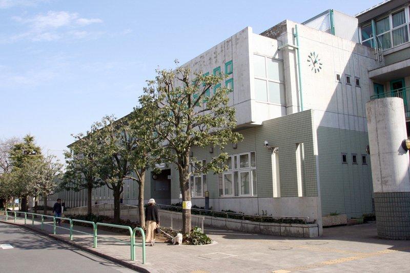 「世田谷区立八幡山小学校」