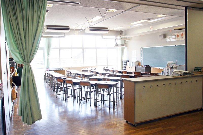 教室の壁がないオープンスクール