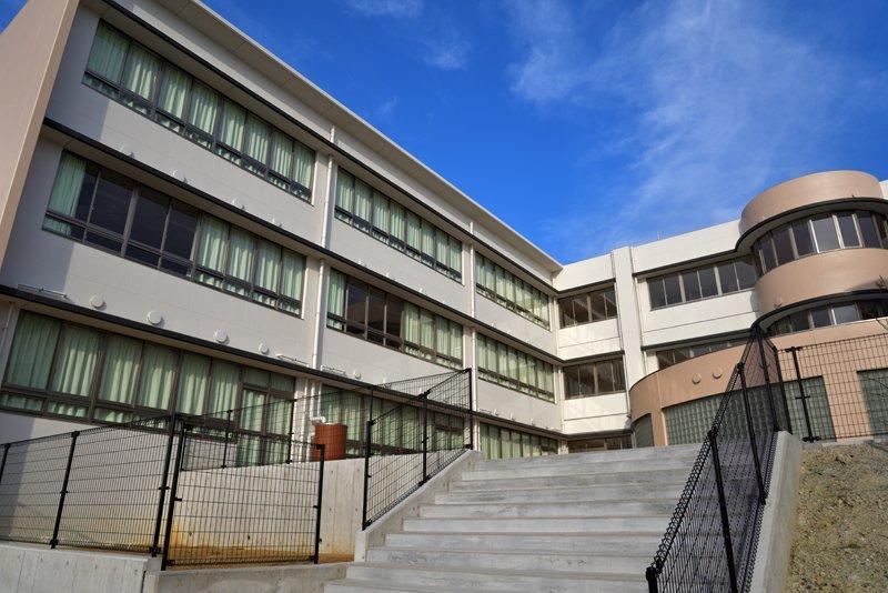 校舎 外観
