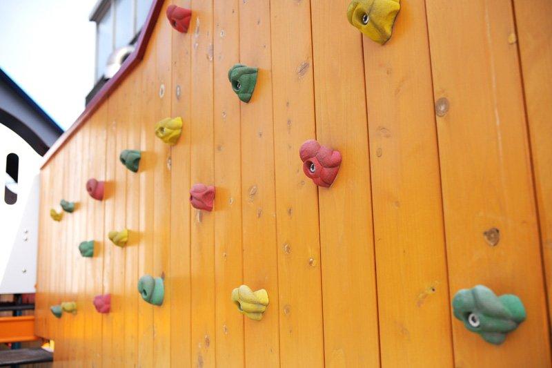 クライミングウォールができる壁
