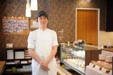 """旧東海道沿いの""""あおよこ""""で、職人が創るこだわりのフランス洋菓子/「レ・サンク・エピス」 中村シェフ"""