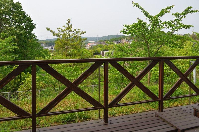 学校周辺は緑あふれる景色が広がる