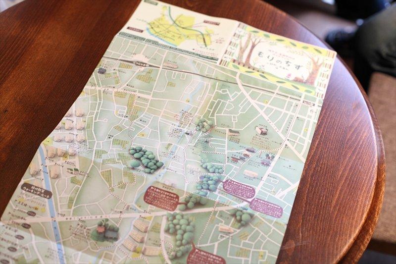 「調布市・崖線樹林地ガイドマップ もりのちず」