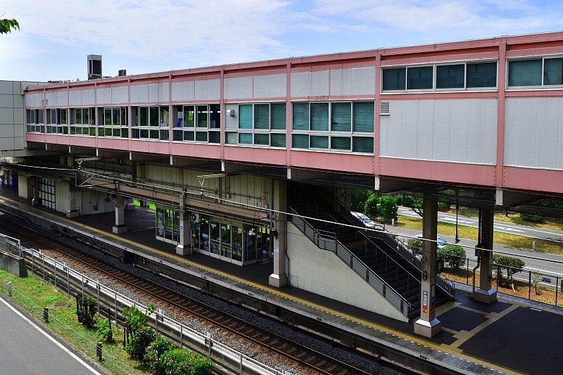「栂・美木多」駅