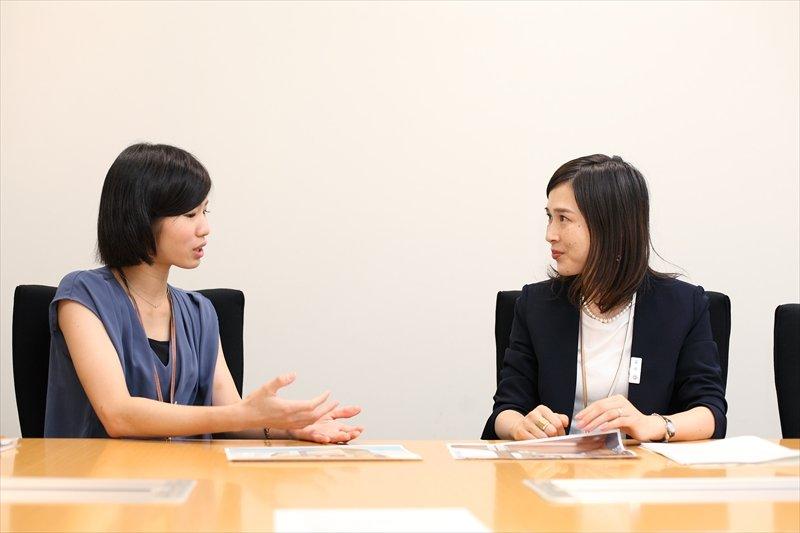 インタビューに応える加藤さんと中村さん