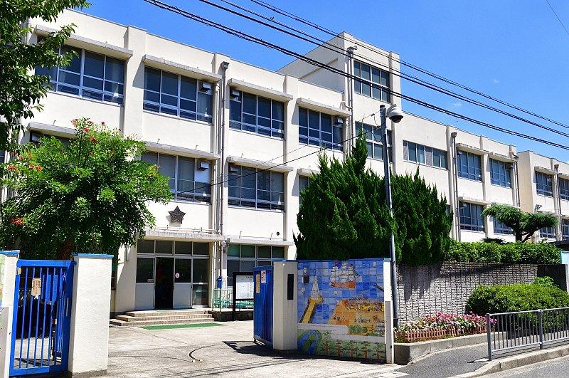 堺市立市小学校校舎外観