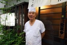味も店構えも戦後そのまま。変わらぬ「粋」を伝える老舗そば店/あさだ 中田暉さん