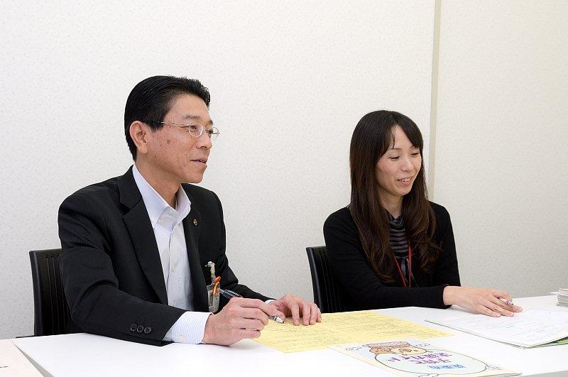 独自の施策で手厚い子育てサポートを実施する/栗東市役所 太田課長 藤井係長