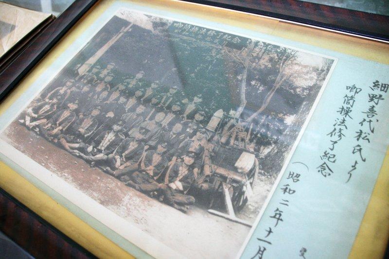 校内にある資料展示室には学校の歴史を物語る資料の数々が保存されている