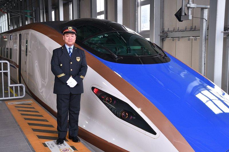 富山駅について語ってくださった沢谷駅長