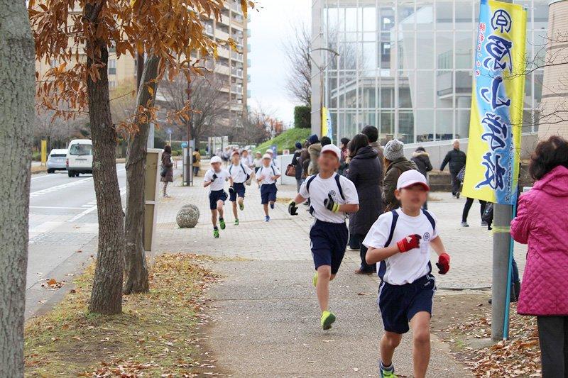 街に声援が響くマラソン大会