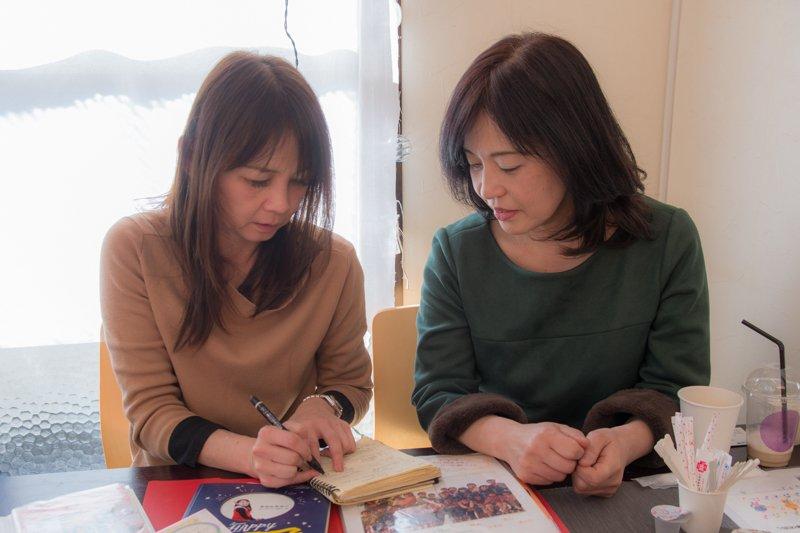 南行徳の子育て環境について語る石橋さん(左)と石田さん(右)