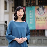早稲田大学坪内博士記念演劇博物館 館長:岡室美奈子さん