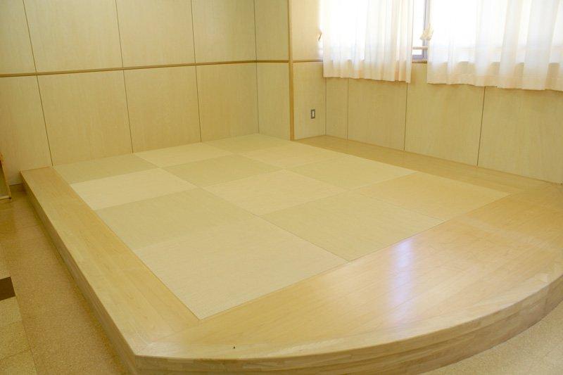 図書室の畳敷きの小上がり