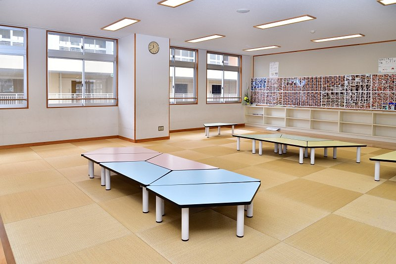 畳敷きの多目的教室